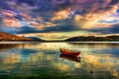 boat-in-lake-1368014-m