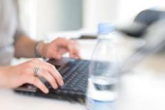 writing-on-laptop-1197801-m
