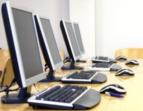 computer-room-314632-m